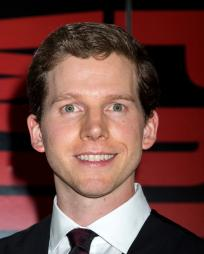 Stark Sands Headshot
