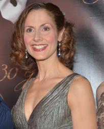 Kelly Jeanne Grant Headshot