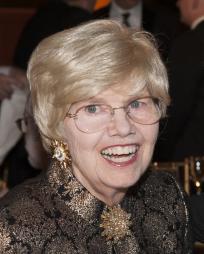 Helen Henderson Headshot
