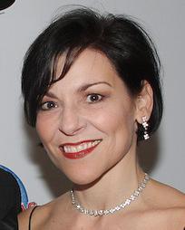 Dana Moore Headshot