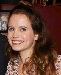 Phoebe Strole Headshot