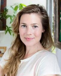 Kate Russell Headshot