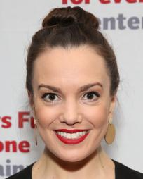 Kara Lindsay Headshot