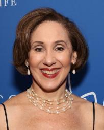 Joanna Glushak Headshot