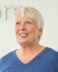 Barbara Marineau Headshot