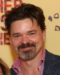 Hunter Foster Headshot