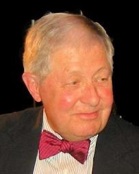 Robert Lowe Headshot