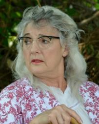Carolyn Kirsch Headshot