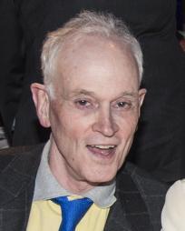 Jonathan Reynolds Headshot
