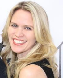 Lauren Kennedy Headshot