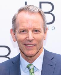 Stephen Bogardus Headshot