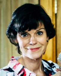 Angela Bond Headshot