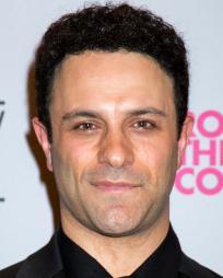 Aaron Costa Ganis Headshot