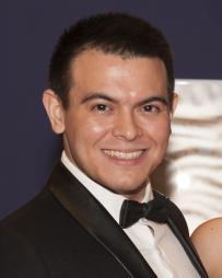 Christopher Mueller Headshot