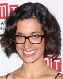 Sarah Treem Headshot