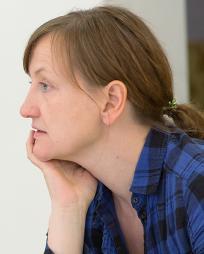 Miriam Buether Headshot