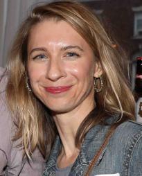 Julia Coffey Headshot