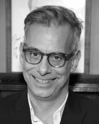Joe Mantello Headshot
