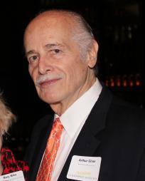 Arthur Giron Headshot