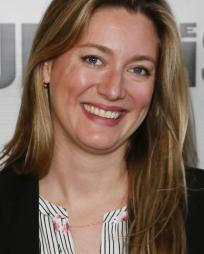 Zoe Perry Headshot