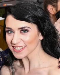 Danielle Hope Headshot
