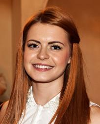 Sophie Evans Headshot