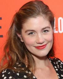 Laura Dreyfuss Headshot