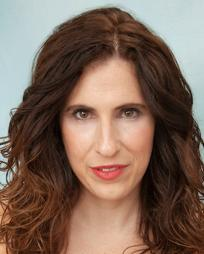 Nikki MacCallum Headshot