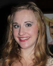 Emily Bridges Headshot