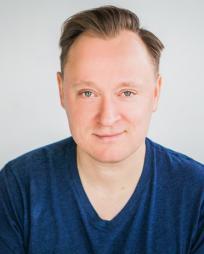 Kevin Dennis Headshot