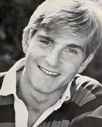 Oliver Woodall Headshot