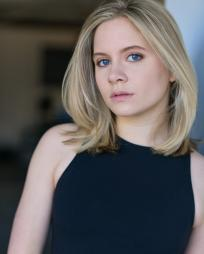 Elizabeth Teeter Headshot