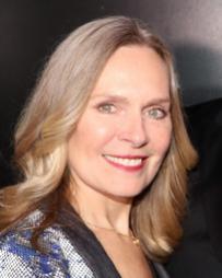 Christy Tarr Headshot