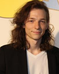 Mike Faist Headshot