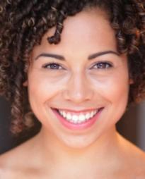 Chloe Campbell Headshot