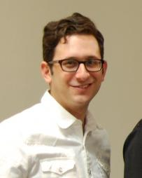 Dan Mills Headshot