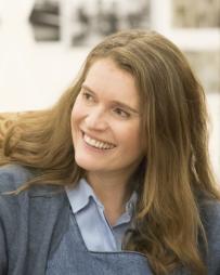 Justine Mitchell Headshot