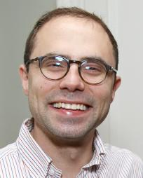 Andrew Lazarow Headshot
