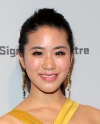 Lesley Hu Headshot