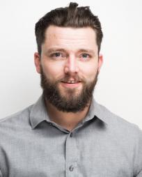 Evan Linder Headshot