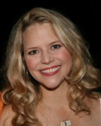 Sarah Pfisterer Headshot