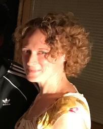 Nicole Van Giesen Headshot