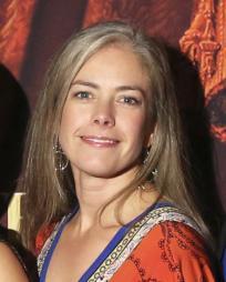 Nicole Olson Headshot