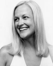 Tamara Kangas Erickson Headshot