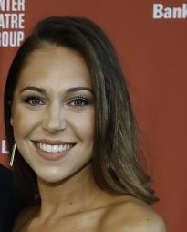 Jenna Nicole Schoen Headshot