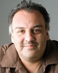 Luis Alfaro Headshot