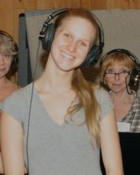 Sarah Bakker Headshot