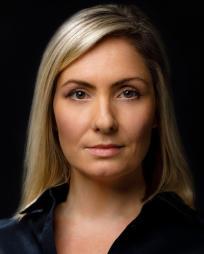 Laura Hooper Headshot