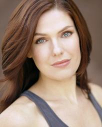 Rachel Rhodes-Devey Headshot