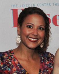 Melanie Evans Headshot